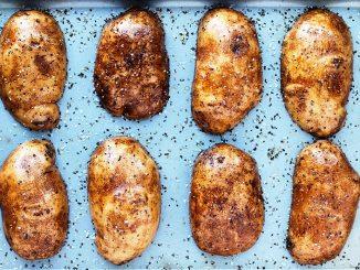Печени картофи - бързо и вкусно изкушение!