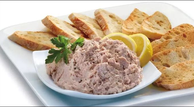 Пастет от риба тон - красиво и вкусно предястие за лятото