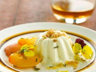 Панакота с аромат на кайсии – десерт от кисело мляко за 20 минути
