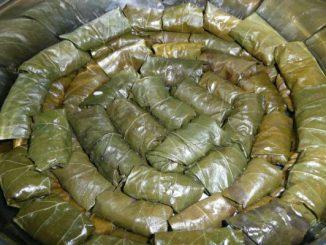 Лозови сарми на фурна рецепта