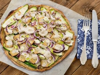 """""""Тарт фламбе"""" – бърза пица с тиквички и тофу"""