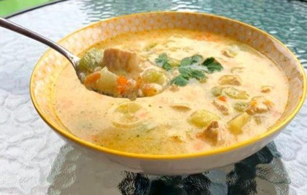 Най-вкусната рецепта за пилешка супа с пресни зеленчуци