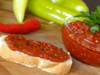 Най-лесната рецепта за айвар без печене и белене на чушки