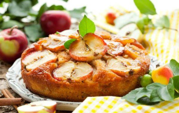 Бърз ябълков пай, който се приготвя само в един съд