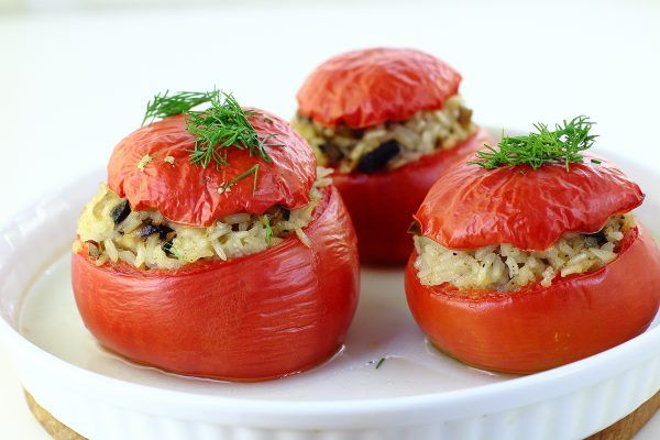 Пълнени домати с ориз и гъби